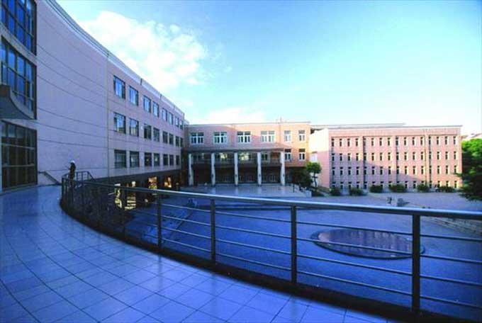 Shanghai University of Finance and Economics ( SHUFE )