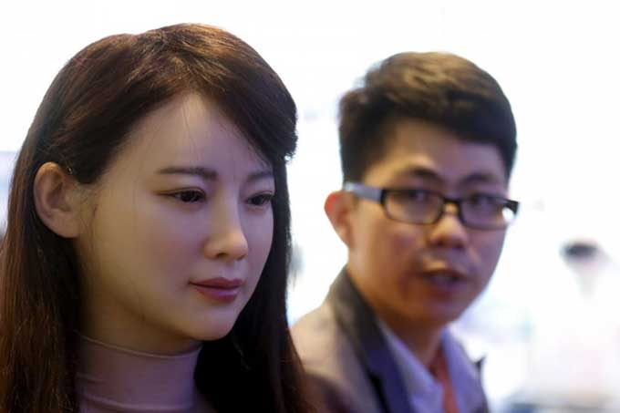 AI Robot to attend China's National College Entrance Exam in 2017